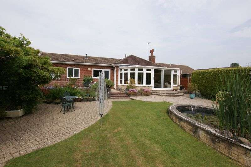 4 Bedrooms Detached Bungalow for sale in Argyle Crescent, Fareham, PO15