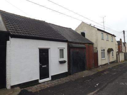 1 Bedroom Bungalow for sale in Rear Westmorland Avenue, Blackpool, Lancashire, FY1