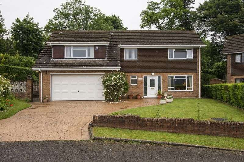 4 Bedrooms Detached House for sale in Bryngomer, Cwmbran