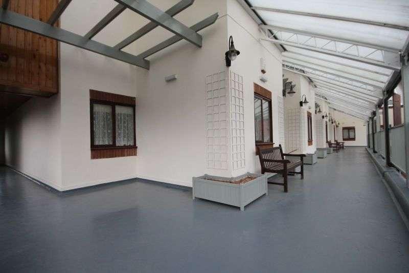 2 Bedrooms Flat for sale in HARPUR CREWE HOUSE, SWARKESTONE ROAD, CHELLASTON