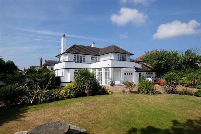 4 Bedrooms Property for sale in Clifton Drive South, St Annes On Sea