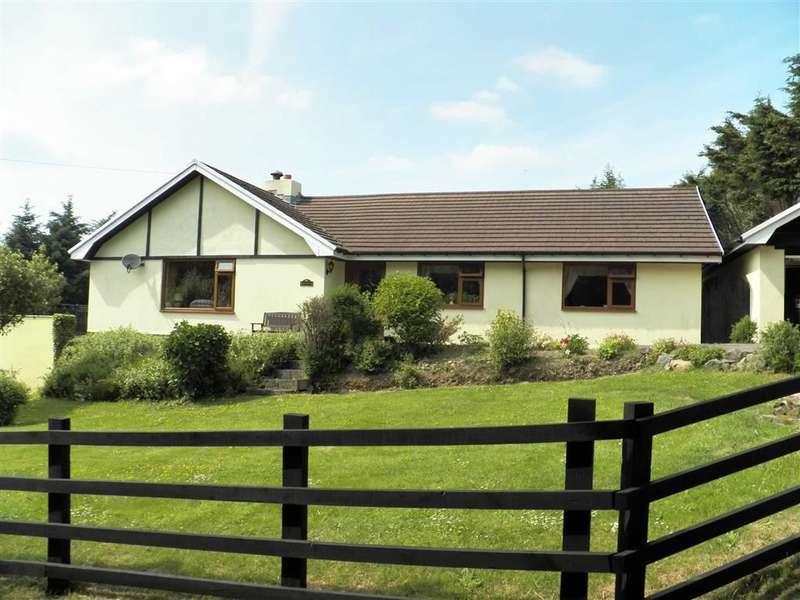3 Bedrooms Property for sale in RHYDLEWIS