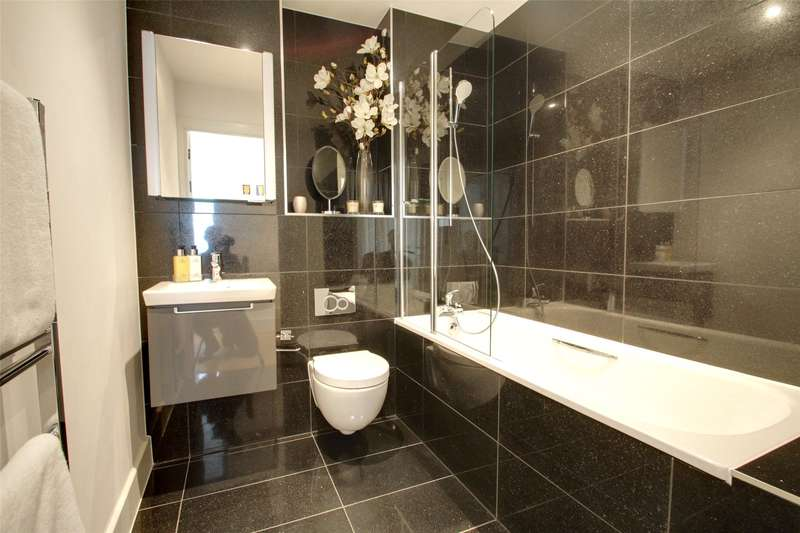 1 Bedroom Apartment Flat for sale in Bridge Road, Chertsey, Surrey, KT16