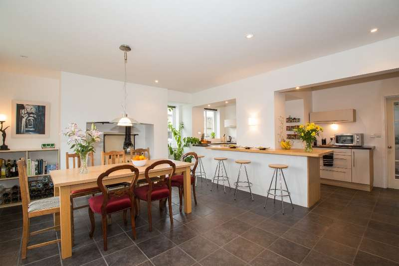 4 Bedrooms Detached House for sale in Taw Green, South Tawton