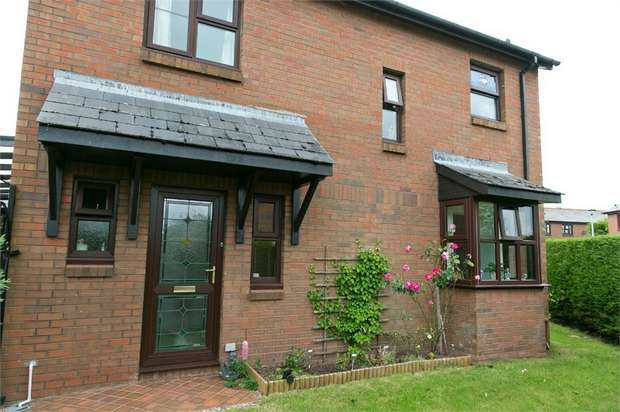 3 Bedrooms Detached House for sale in Beacons Park, Brecon, Powys