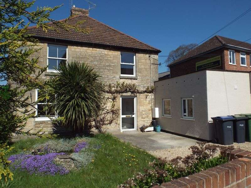 4 Bedrooms Terraced House for sale in London Road, Calne
