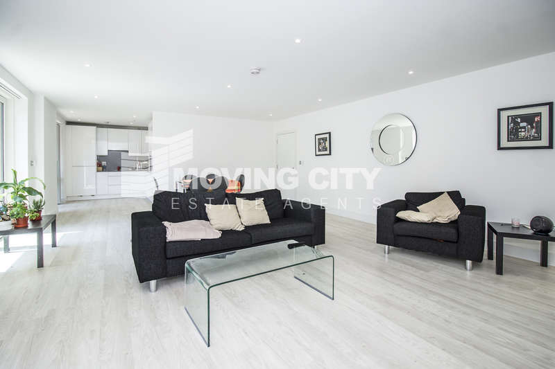 3 Bedrooms Flat for sale in Bodiam Court, Royal Waterside, Park Royal