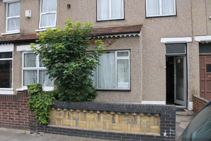 3 Bedrooms House for sale in Roman Road, Ilford, IG1 2PA