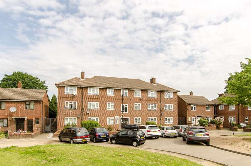 2 Bedrooms Flat for sale in Saxby Road, Brixton, SW2
