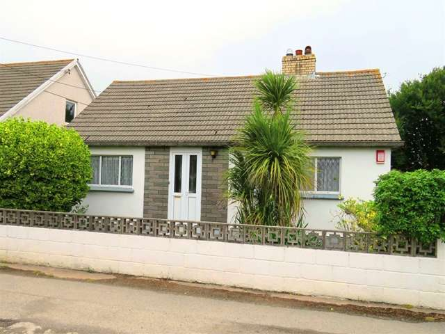 2 Bedrooms Detached Bungalow for sale in 2 Bed Detached Bungalow; Attic Room; Outbuildings