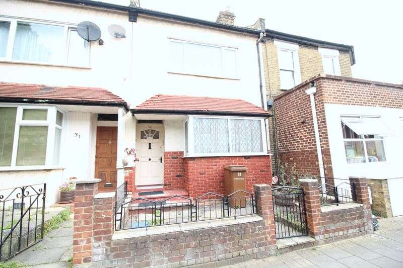 3 Bedrooms Terraced House for sale in Ashenden Road, London