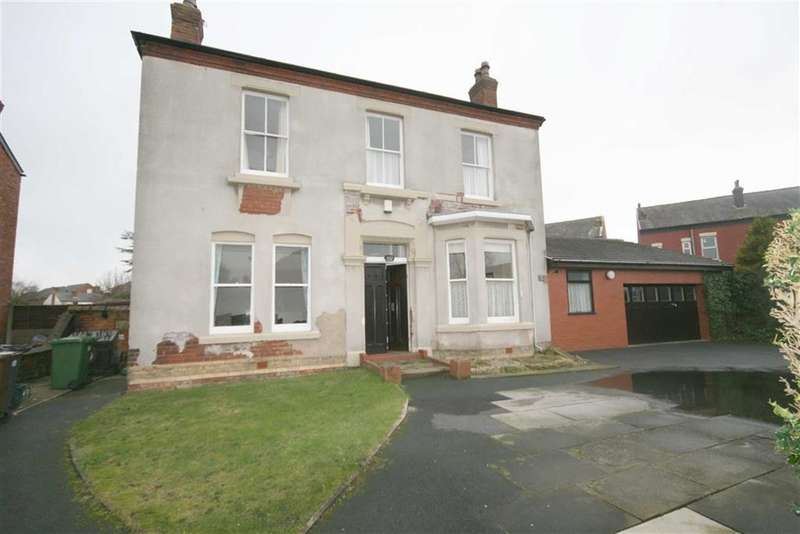 4 Bedrooms Property for sale in Dover Road, Southport
