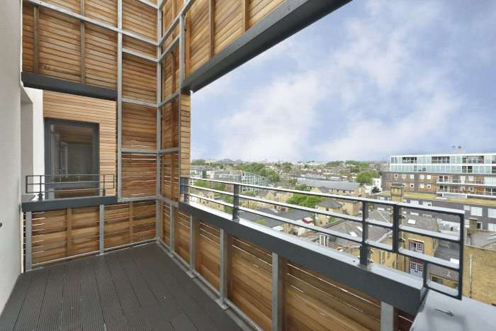 2 Bedrooms Flat for sale in The Merchant Building, City Wharf, Wharf Road, London, N1