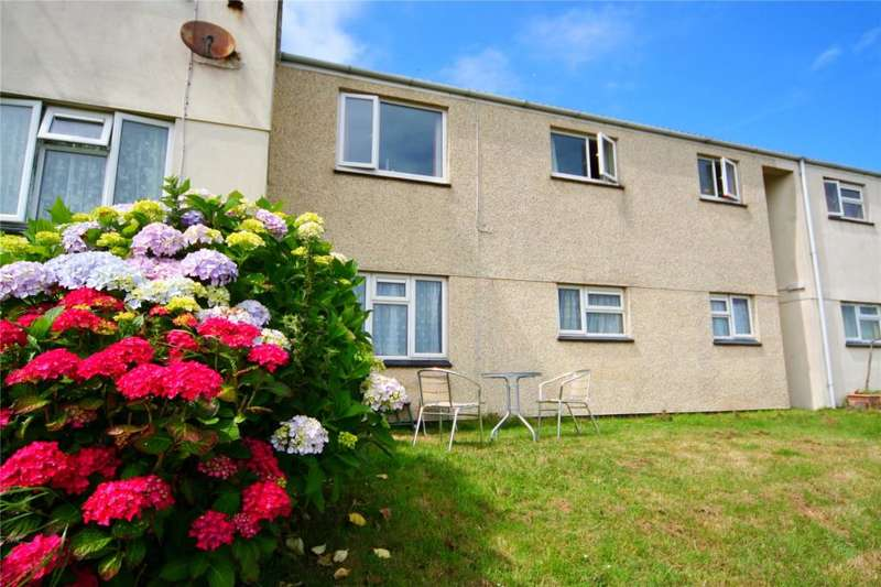 2 Bedrooms Flat for sale in Tregundy Rd, Perranporth