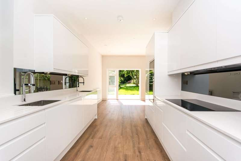 6 Bedrooms House for sale in Alba Gardens, Golders Green, NW11