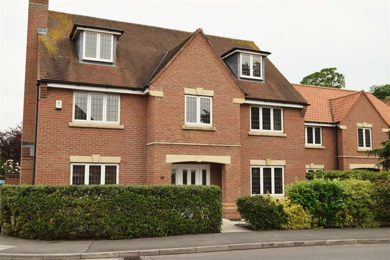 5 Bedrooms Detached House for sale in Goldstraw Lane, Fernwood, Newark