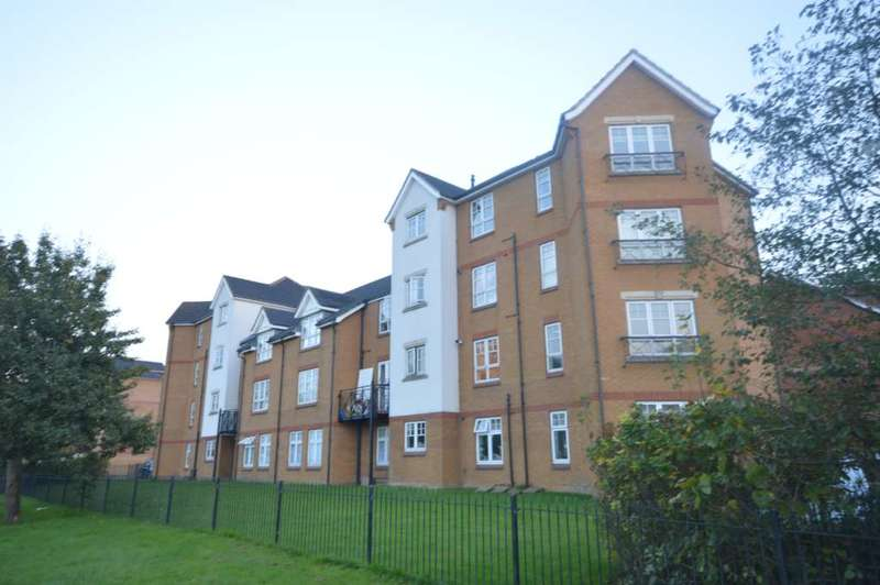 2 Bedrooms Apartment Flat for sale in Greenhaven Drive, London