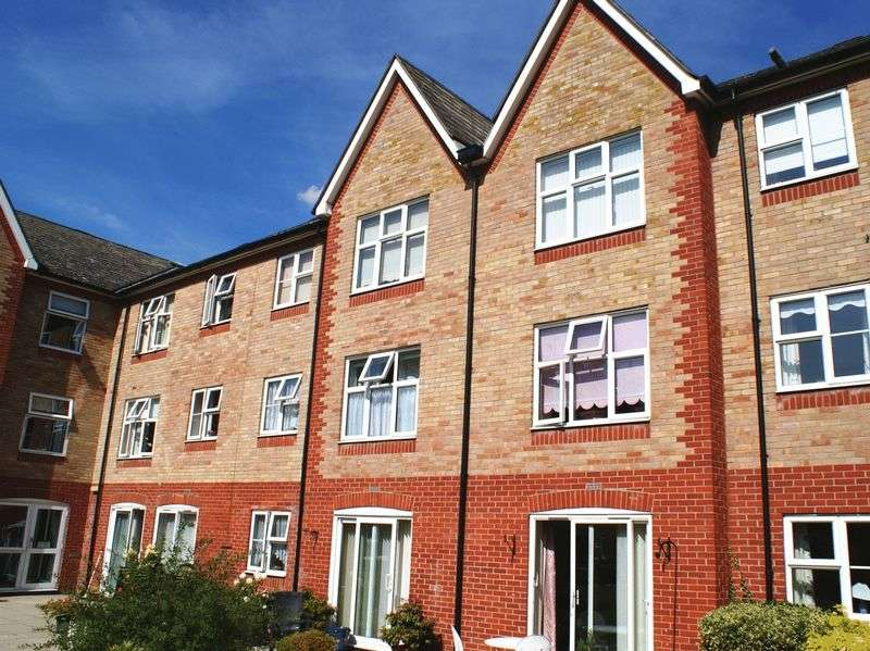 1 Bedroom Retirement Property for sale in MacMillan Court, Chelmsford, CM2 0XE