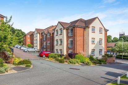 2 Bedrooms Flat for sale in Millstone Court, Stone, Staffordshire