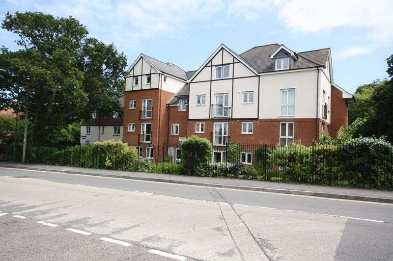 2 Bedrooms Flat for sale in Belle Vue Road, Bournemouth