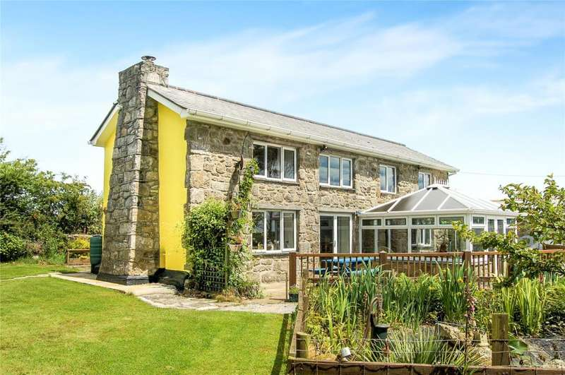 3 Bedrooms Detached House for sale in Releath, Camborne