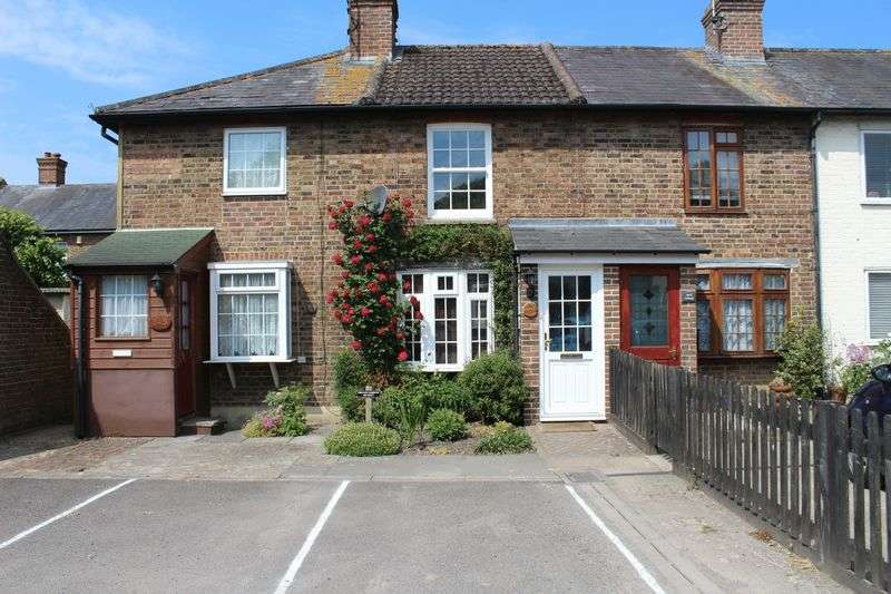 2 Bedrooms Terraced House for sale in London Road, Burgess Hill
