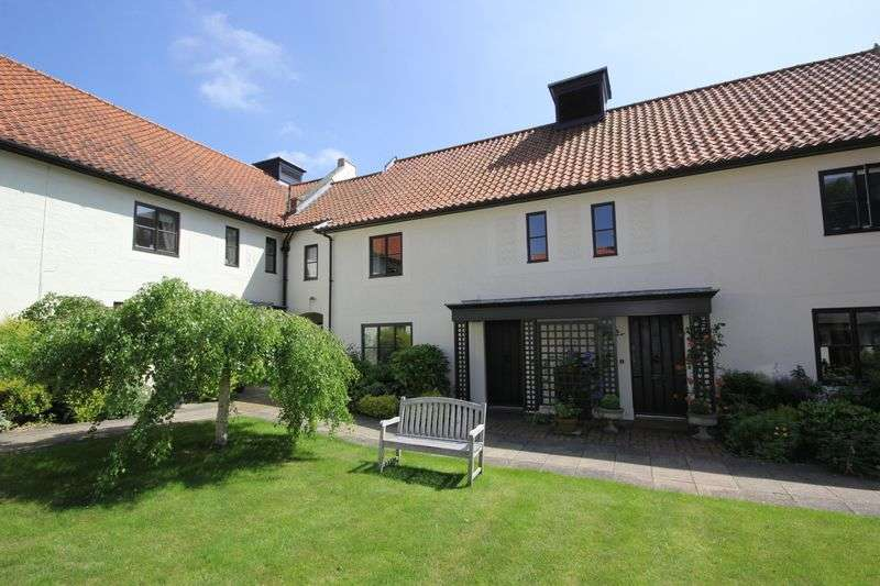 2 Bedrooms Cottage House for sale in Hasells Courtyard, Westgate Street, Long Melford