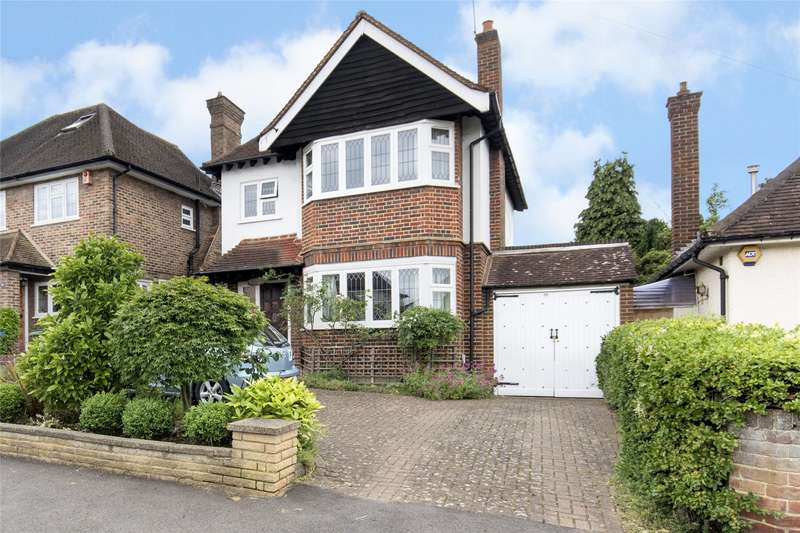 3 Bedrooms Detached House for sale in Avondale Avenue, Esher, Surrey, KT10