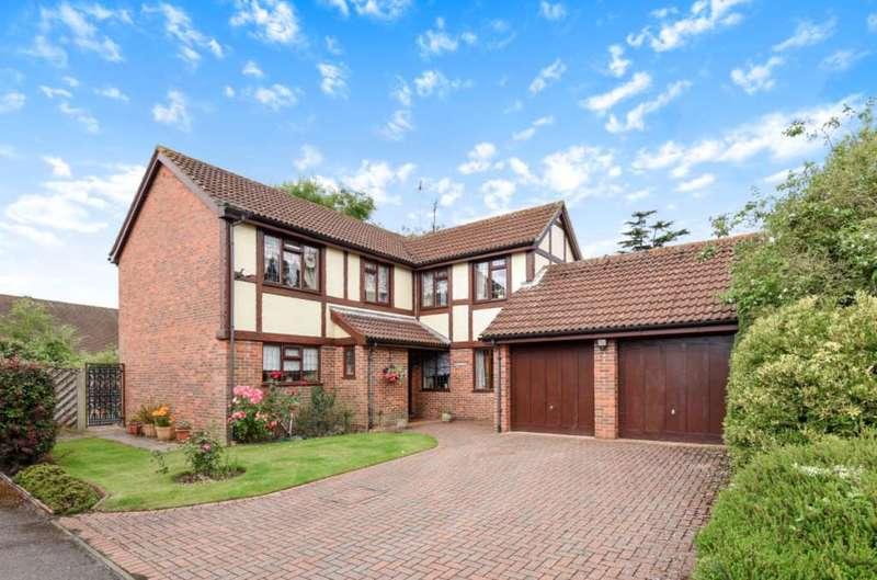5 Bedrooms Detached House for sale in Elm Lane, Earley