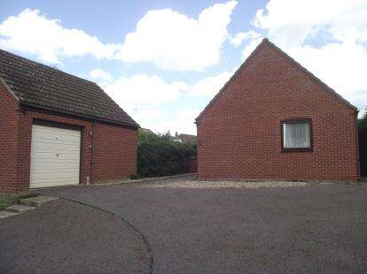 2 Bedrooms Bungalow for sale in Fornham St. Martin, Bury St. Edmunds, Suffolk