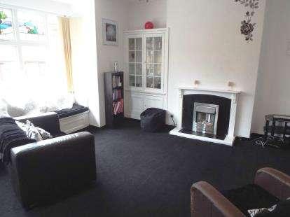 2 Bedrooms Flat for sale in High Street, Dereham, Norfolk