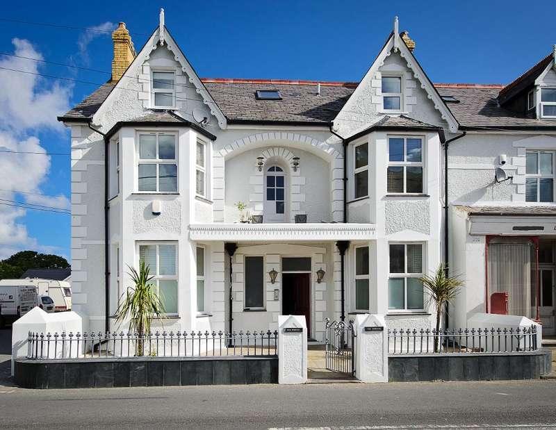 3 Bedrooms Penthouse Flat for sale in Llanbedrog, Pwllheli, Gwynedd, LL53 7PA