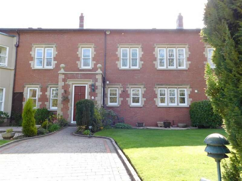 3 Bedrooms Property for sale in Andrew Lane, High Lane, Stockport