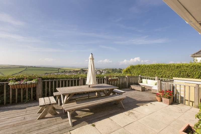5 Bedrooms Detached House for sale in Dart View, Main Road, Salcombe