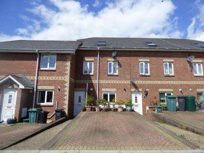 4 Bedrooms Terraced House for sale in East Cowes, Isle Of Wight