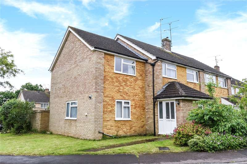 4 Bedrooms Semi Detached House for sale in Whitmore Close, Owlsmoor, Sandhurst, Berkshire, GU47