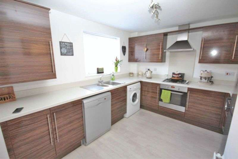 2 Bedrooms Flat for sale in Hylton Avenue, Skelton-In-Cleveand