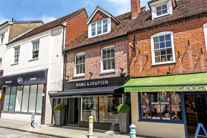 2 Bedrooms Flat for sale in Lamb Alley, 29 The Square, Winchester, Hampshire, SO23