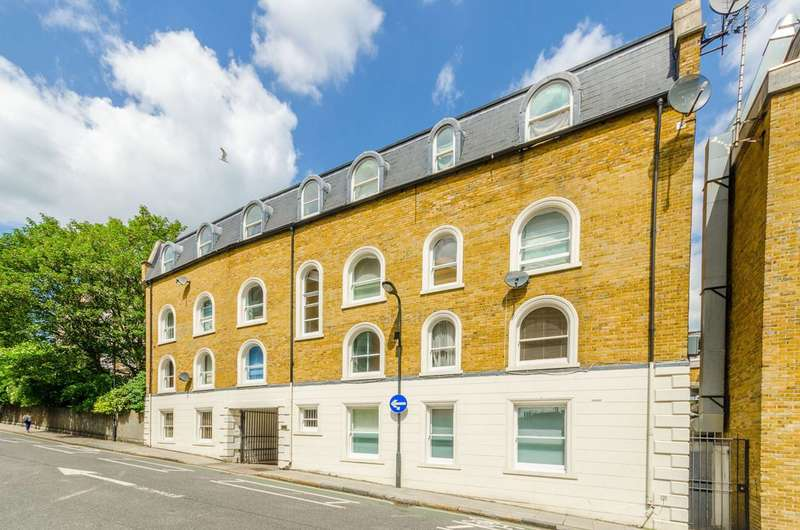 2 Bedrooms Flat for sale in Regents Park Road, Chalk Farm, NW1