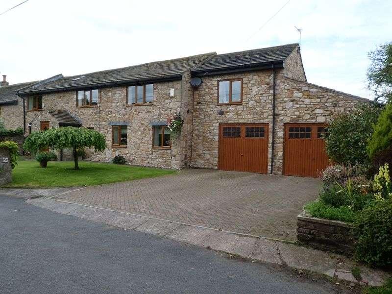 5 Bedrooms Semi Detached House for sale in Osbaldeston Lane, Blackburn