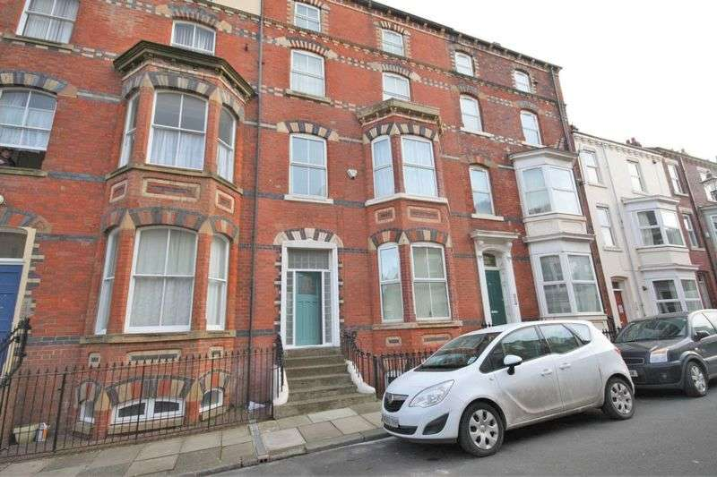 3 Bedrooms Flat for sale in Pearl Street, Saltburn-By-The-Sea