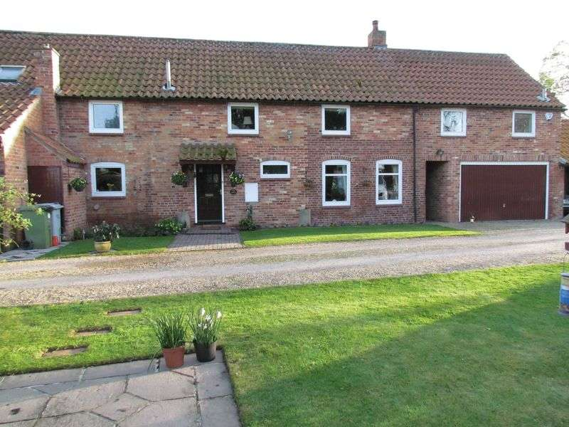 4 Bedrooms Detached House for sale in Cotham Lane, Hawton, Newark