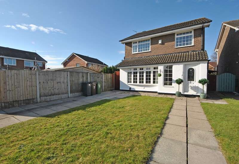 3 Bedrooms Detached House for sale in Sangness Drive, Southport PR8 6US