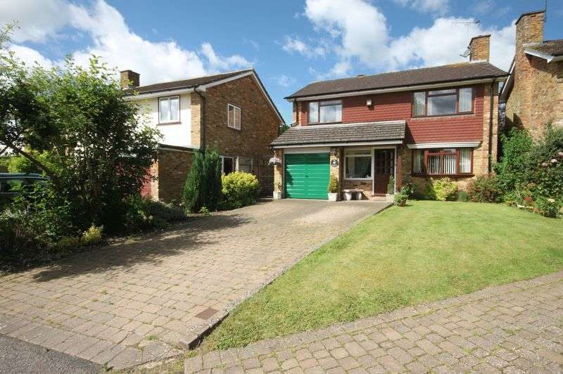 4 Bedrooms Detached House for sale in Crecy Gardens, Redbourn