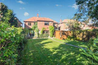 4 Bedrooms House for sale in Aspen Grove, Saughall, Chester, Cheshire, CH1