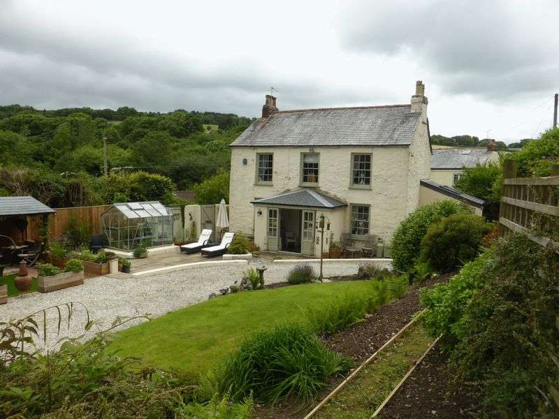 4 Bedrooms Detached House for sale in Millham Road, Lostwithiel