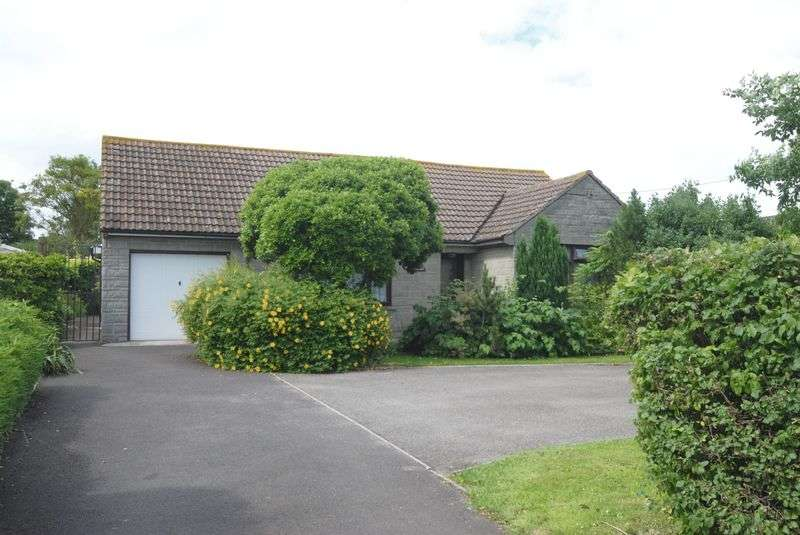 3 Bedrooms Detached Bungalow for sale in Langport Road, Somerton