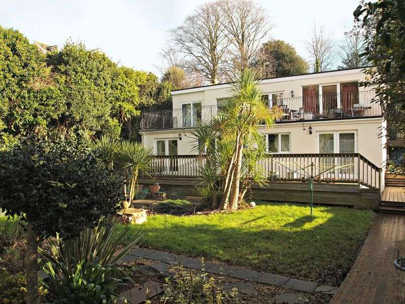 2 Bedrooms Flat for sale in St Marychurch Road, Torquay