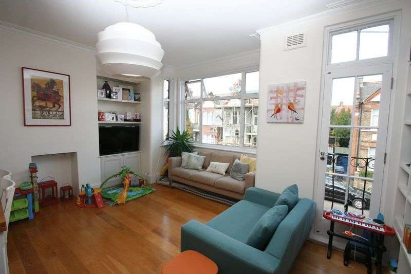 3 Bedrooms Flat for sale in CLIFFORD GARDENS, LONDON. NW10 5JG