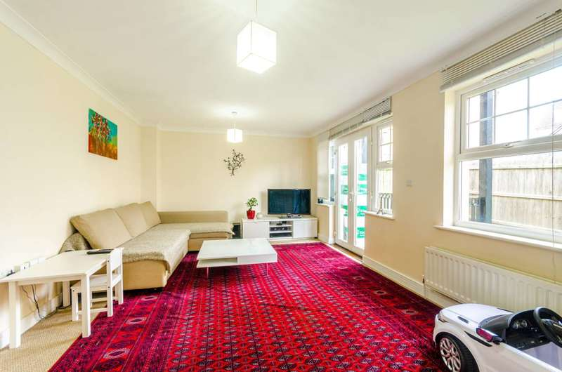 2 Bedrooms Flat for sale in Osier Crescent, Muswell Hill, N10